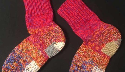 【猪谷靴下】手編みの靴下の暖かさ!スローライフにオススメ防寒靴下