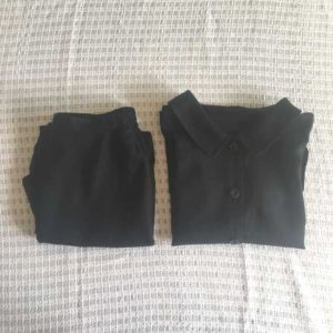 手作りしたリネンのパンツとジャケット